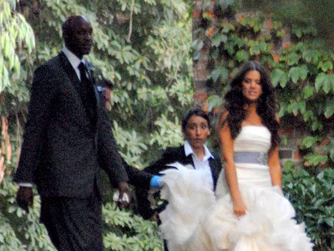 Njeno sestro poroka čaka oktobra, Khloe Kardashian pa je že leta 2009 skočila v zakonski stan, saj se je dokaj hitro po tem ko ga je spoznala, poročila z NBA igralcem Lamarjem Odom.