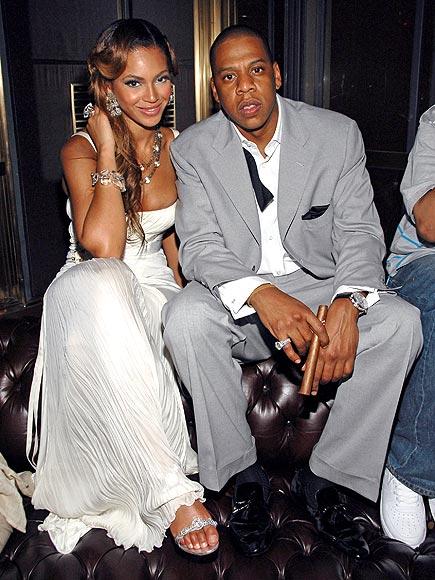 O svojem razmerju javno nikoli nista razpravljala in tudi svoje poroke nista obešala na veliki zvon. 4. aprila 2008 je bilo na poroko Beyonce Knowles in Jay-Zja povabljeno borih 40 gostov.