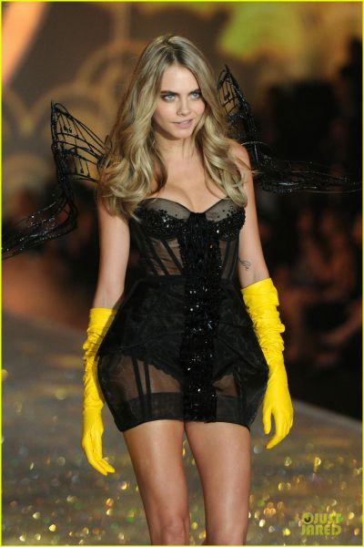 cara-delevingne-toni-garrn-victorias-secret-fashion-show-2013-02