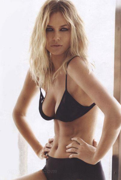 lara-bingle-who-mag-sexiest-women-01