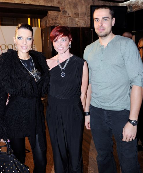 Iris Mulej s fantom Črtomirjem Slavcem in Tamaro Šišič Kramer, vodjo nupo projekta hujšanja.