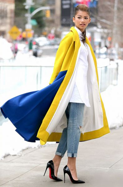 zendaya-nyfw-candids-yellow-coat-05