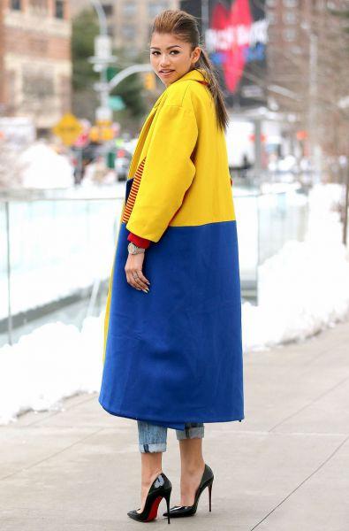 zendaya-nyfw-candids-yellow-coat-11